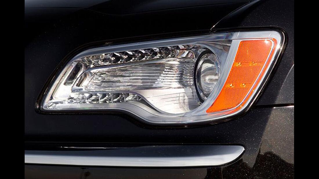 1210, Chrysler 300C, Scheinwerfer