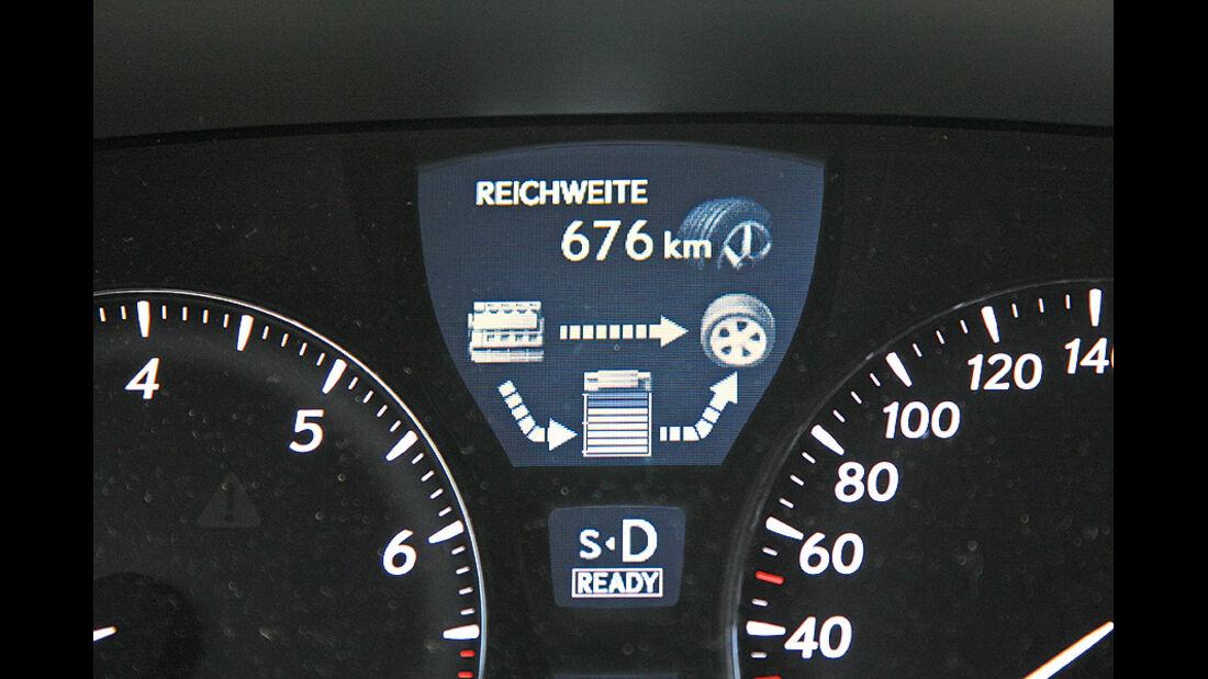 1210, Dauertest Lexus LS600h, Tacho