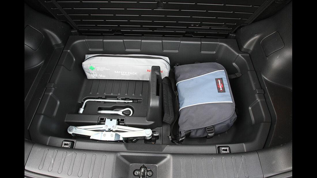 1210, Nissan Juke 1.6 DIG, Laderaum