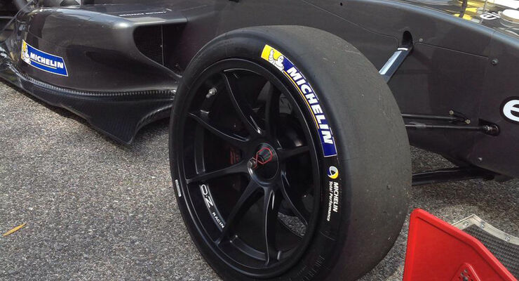 18 Zoll-Reifen - Test - Formel Renault World Series 3.5 - 2015