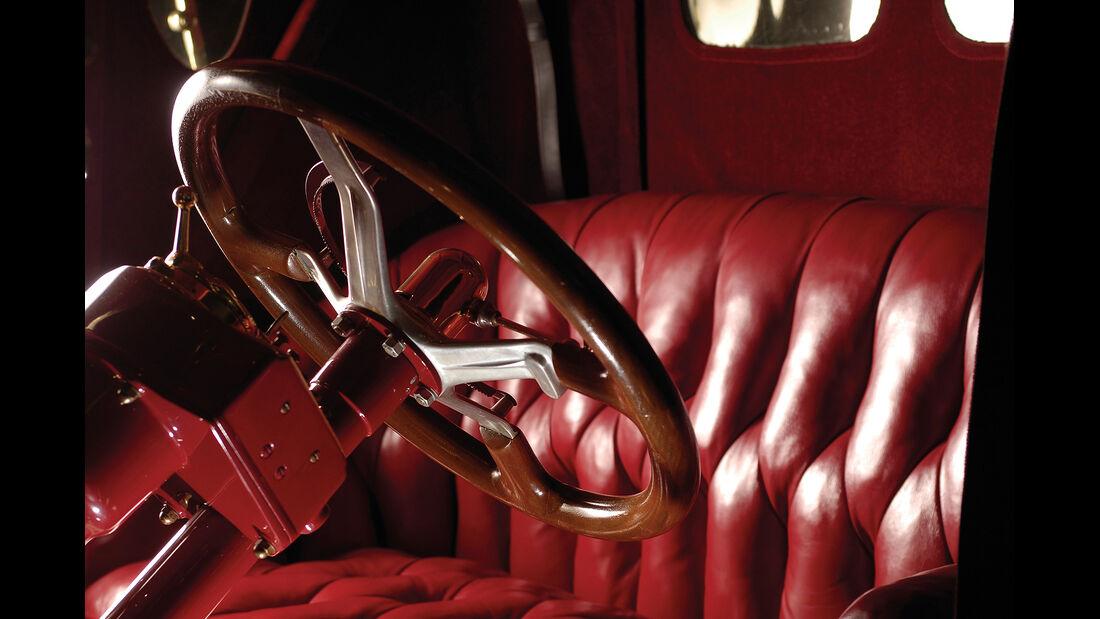 1913 Packard 1-38 Runabout