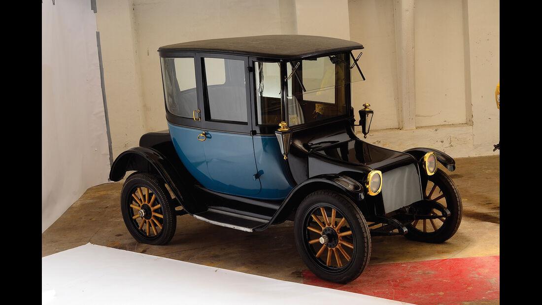 1918er Detroit Electric Model 75 Brougham