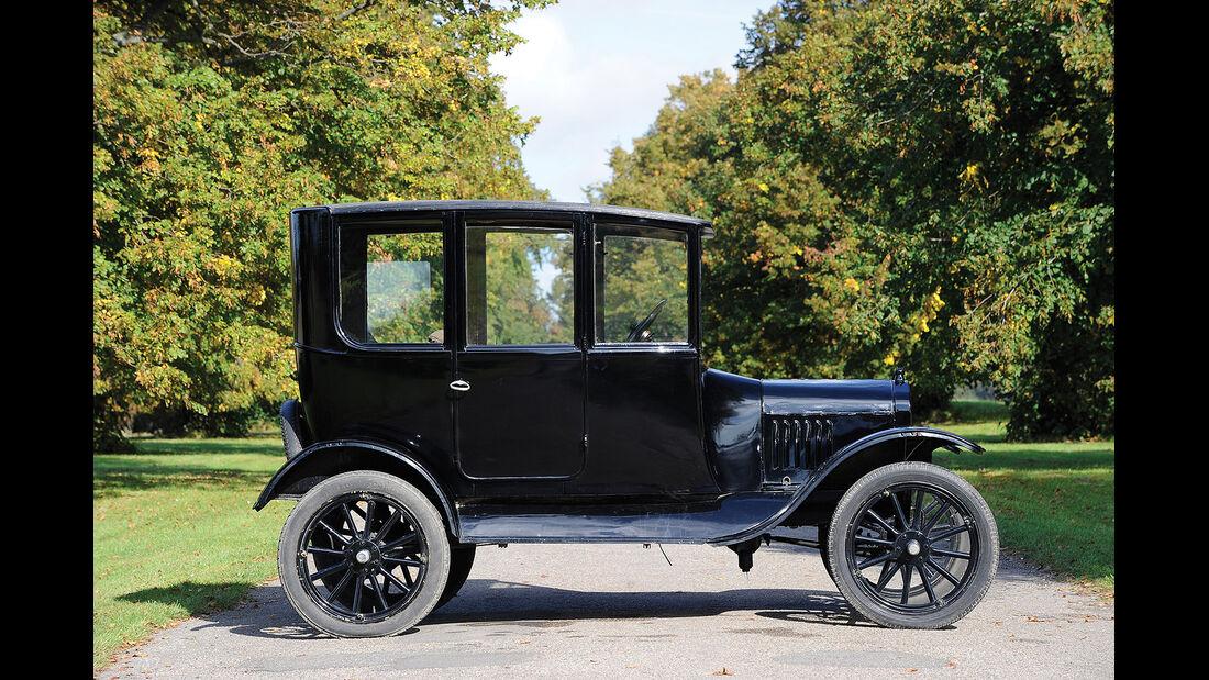 1923er Ford Model T Centre-Door Sedan