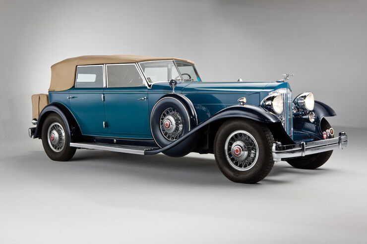 1932er Packard Twin Six Individual Custom Convertible Sedan