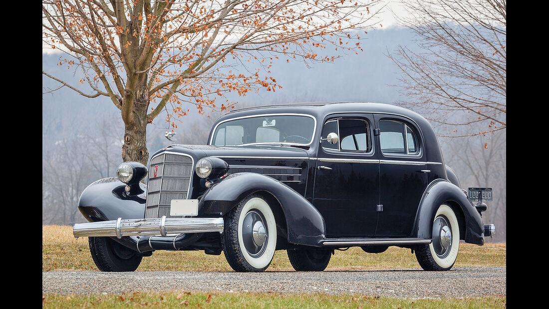 1935 Cadillac Series 30 Five-Passenger Town Sedan by Fleetwood