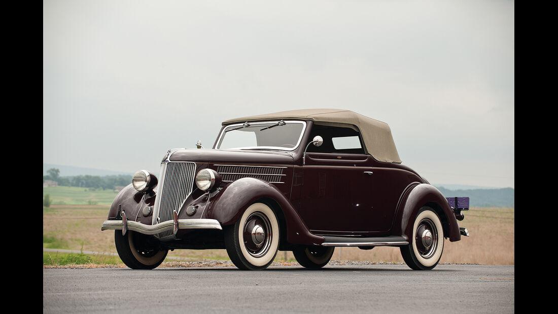 1936 Ford V-8 DeLuxe Cabriolet