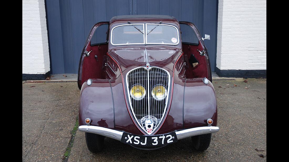 1937  Peugeot 302 Saloon