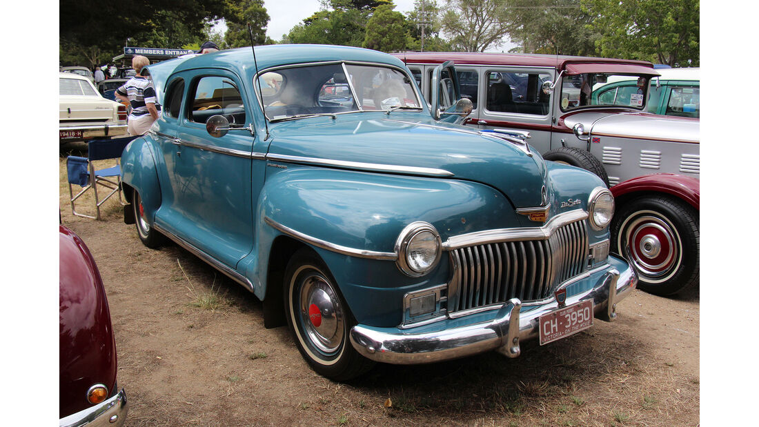 1946 DeSoto Diplomat Special Deluxe Coupe (SP15)