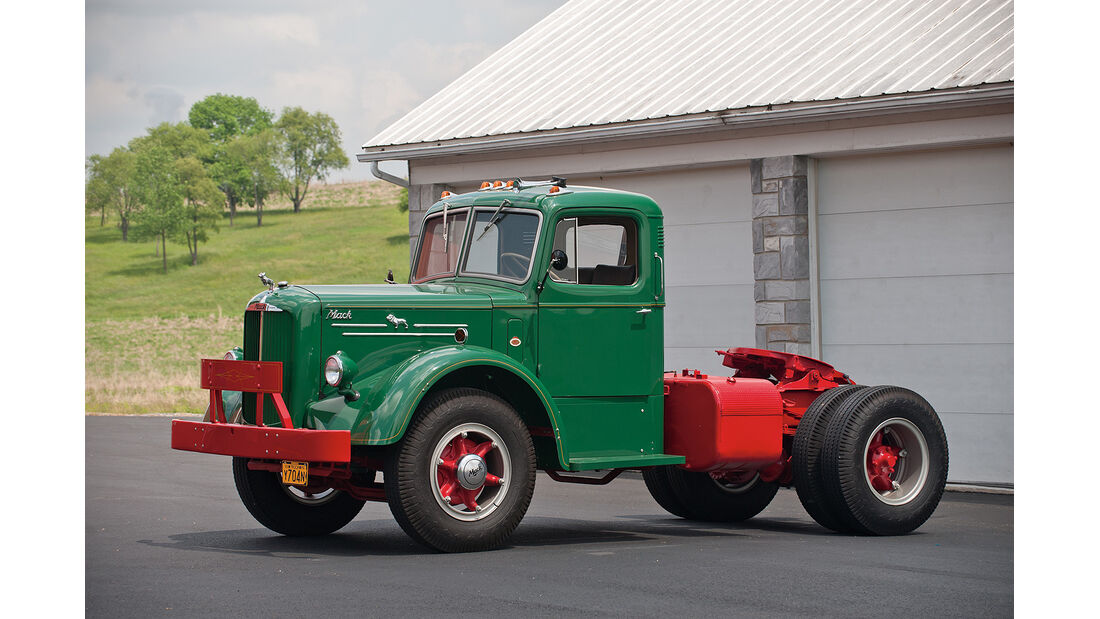 1949 Mack Single Axel Tractor
