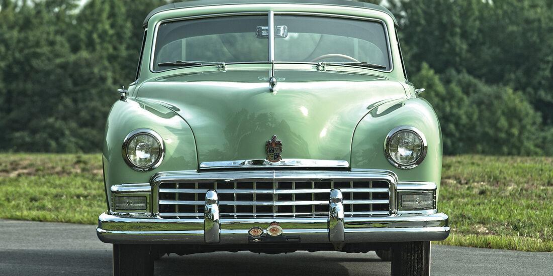 1950 Frazer Manhattan Sedan
