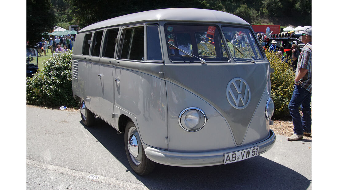 1951-VW-Transporter-Type-22A-Standard-Microbus-LHD-Cargo-Doors-right
