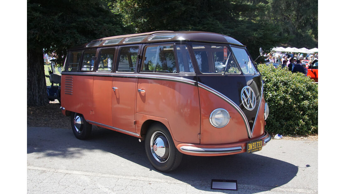 1952-VW-Transporter-Type-24S-Deluxe-Microbus-LHD