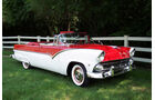 1955er Ford Fairlane Sunliner Convertible