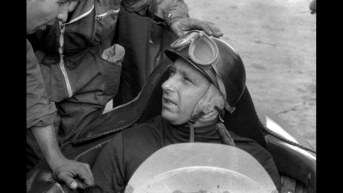 1956 Fangio Ferrari Mechaniker