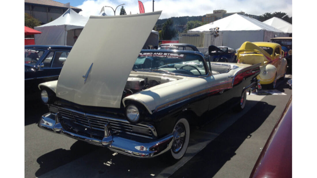 1957er Ford Galaxie 500 XL Skyliner Retractable Cabriolet