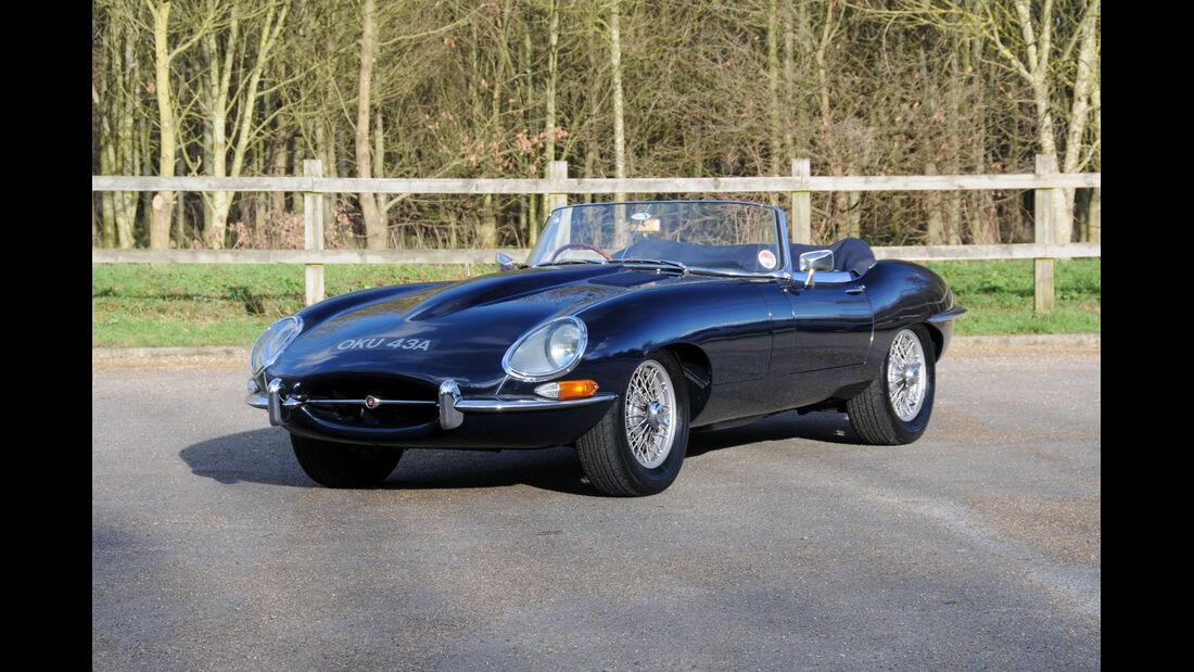 1962 Jaguar E-Type Series I 3.8-Liter Roadster