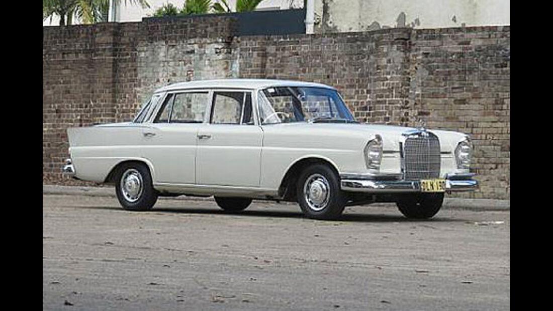 1964er Mercedes-Benz 220SE Sedan