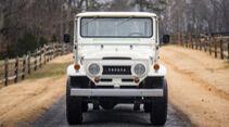 1965er Toyota FJ45 Land Cruiser mit V8-Motor
