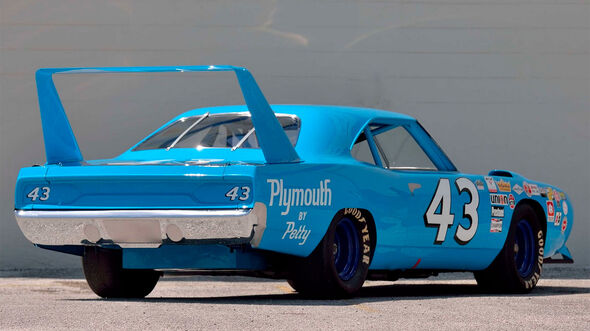 1970-Plymouth-Superbird-Richard-Petty-NASCAR-_-S96