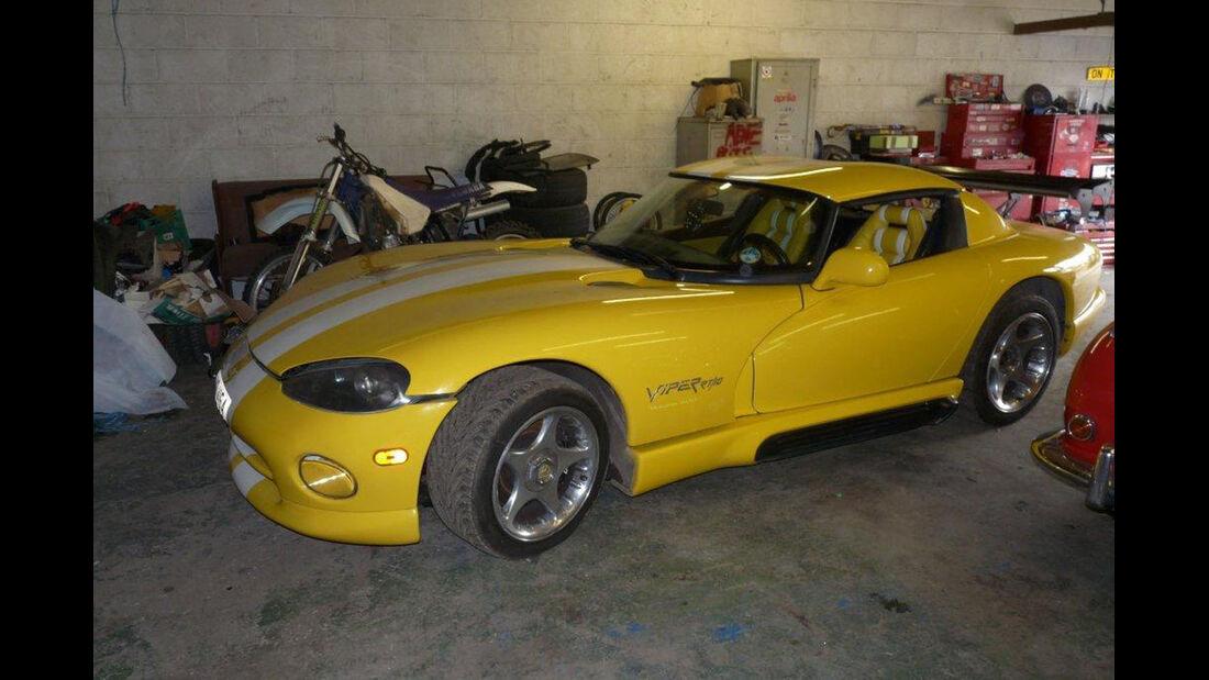 1995 Chrysler Viper Venom Roadster.