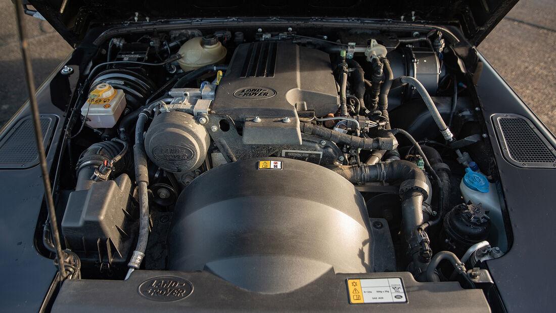 2015er Land Rover Defender 90 Hardtop XS by Bowler