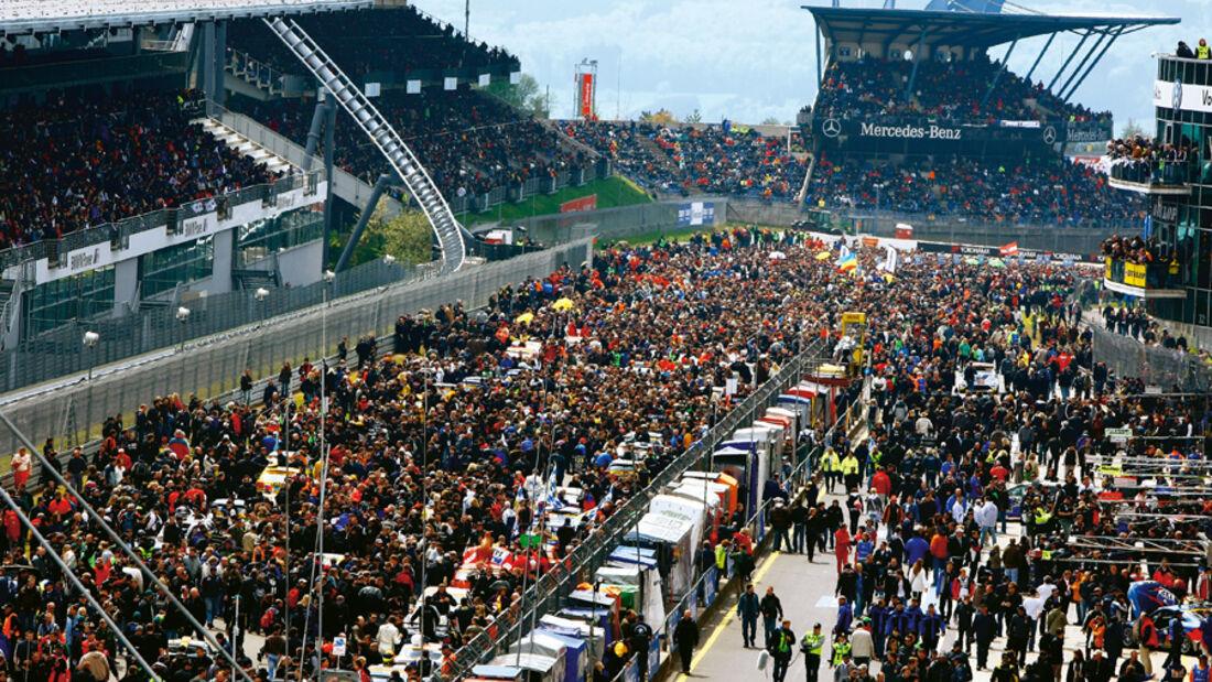 24-Rennen Nürburgring, Fahrerfeld, Aufstellung, Menschenmassen