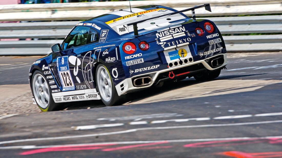 24-h-Rennen, Nissan GT-R, Heck