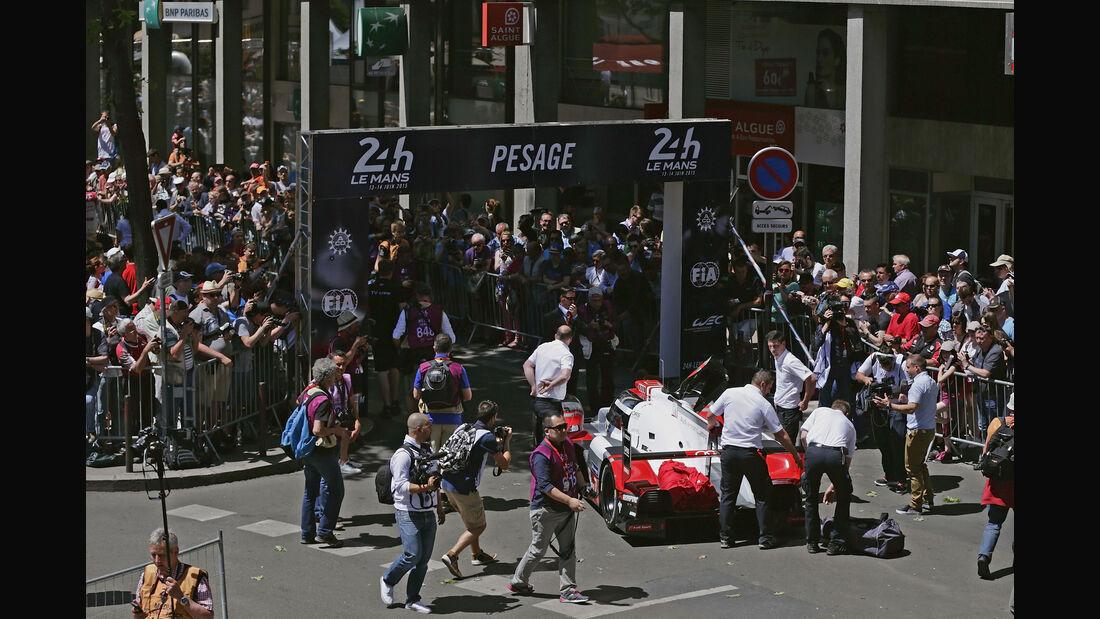 24h Le Mans 2015 - Scrutineering - Technische Abnahme - Audi R18 e-tron quattro