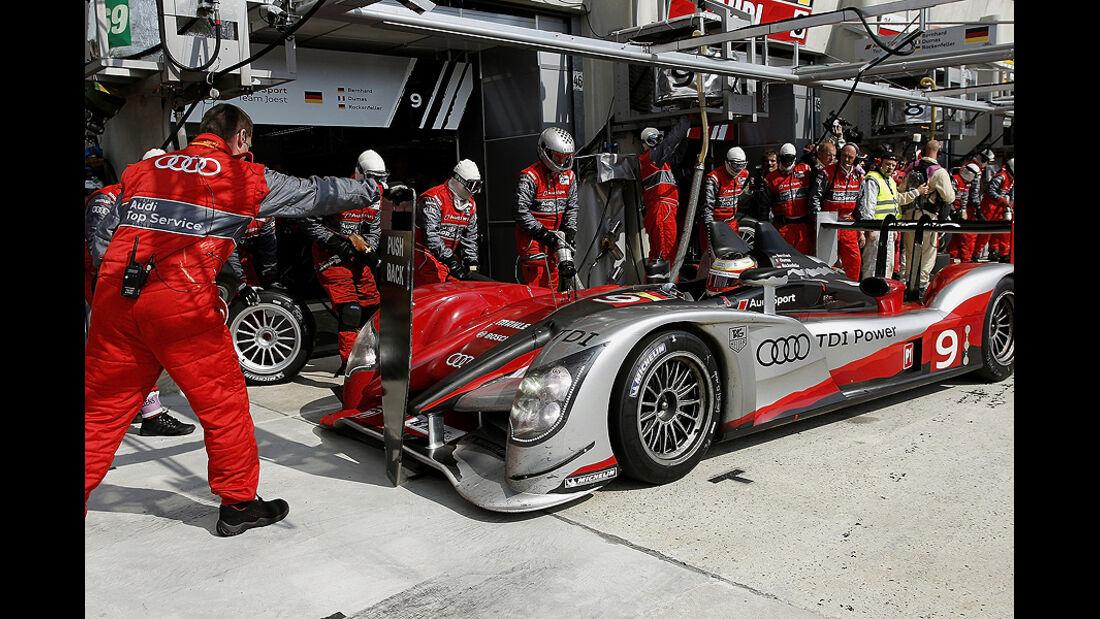 24h Le Mans Audi R15 Box