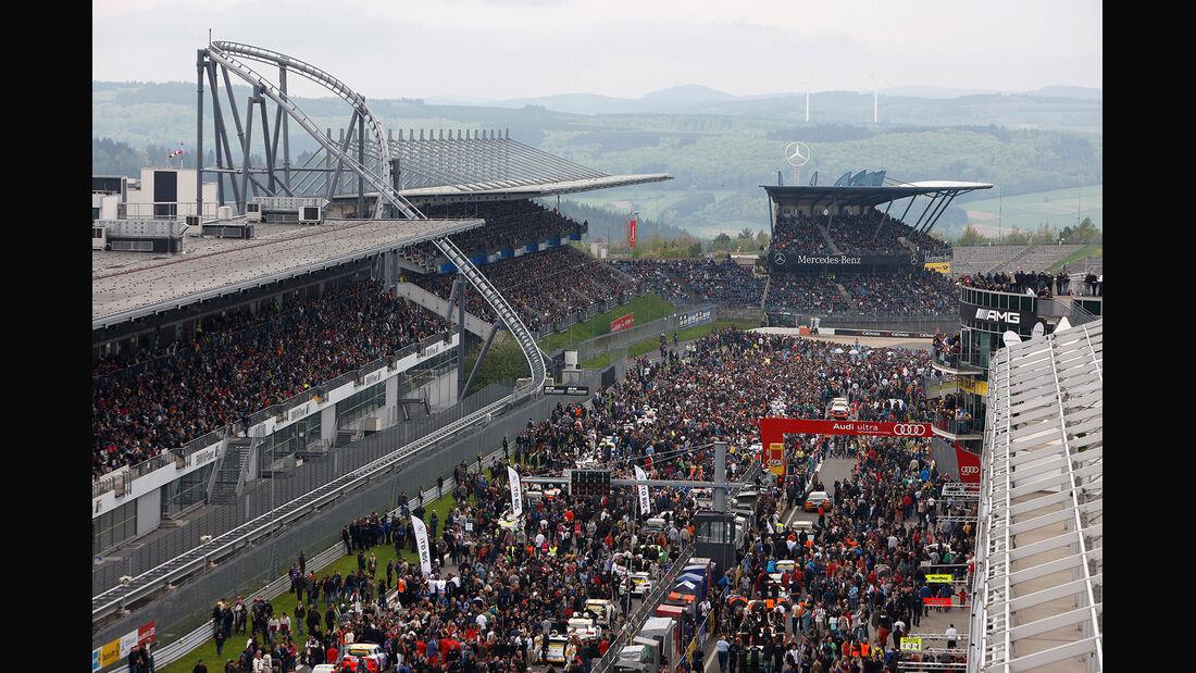 24h-Nürburgring, Zuschauer, Start-Ziel-Bereich