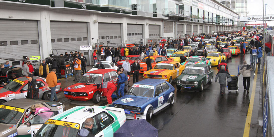 24h Rennen Nürburgring 2011 Boxengasse