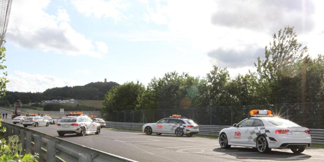 24h Rennen Nürburgring 2011 Intervention Cars