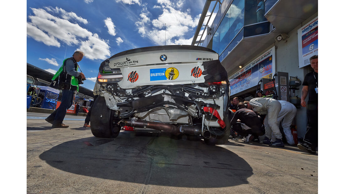 24h-Rennen Nürburgring 2014 - Unfälle - BMW M235i Racing