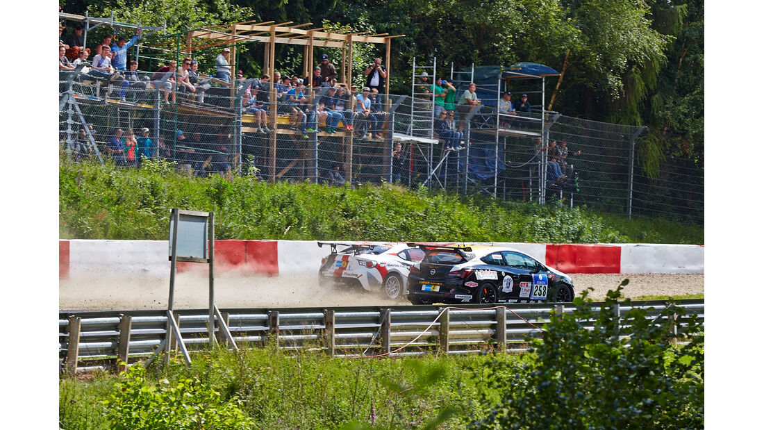 24h-Rennen Nürburgring 2014 - Unfälle - Toyota GT86 - Opel Astra OPC