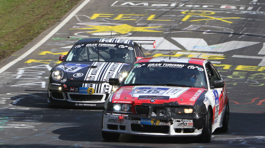 24h Rennen Nürburgring SonntagPirelli-Porsche