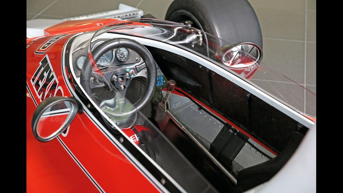 50 Jahre McLaren, Formel 1, McLaren M23, Cockpit
