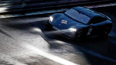 75 Jahre ams Porsche Taycan Rekordfahrt