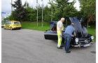 ADAC-Helfer und Mercedes 190 SL bei der Sachsen Classic 2010