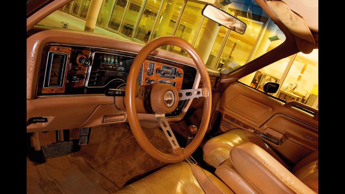 AMC Pacer Limited V8 - Cockpit mit Lenkrad