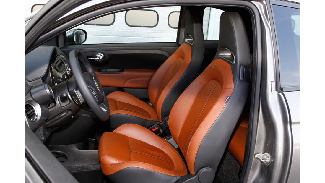 Abarth 500C, Fahrersitz, Vordersitze