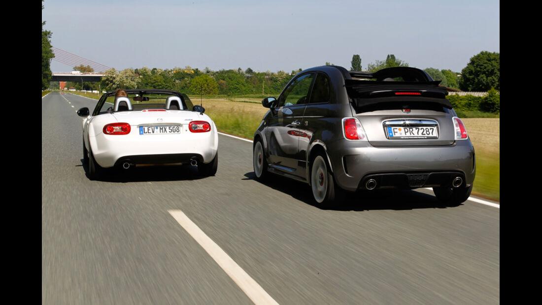 Abarth 500C, Mazda MX-5 2.0, beide Fahrzeuge, Rückansicht, Heck