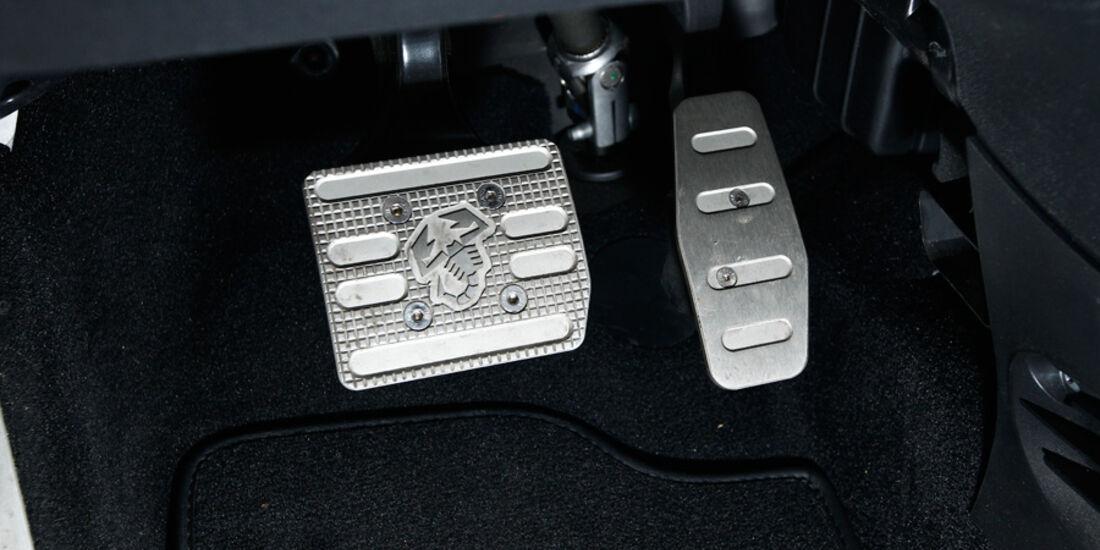 Abarth 695 Tributo Ferrari, Pedale