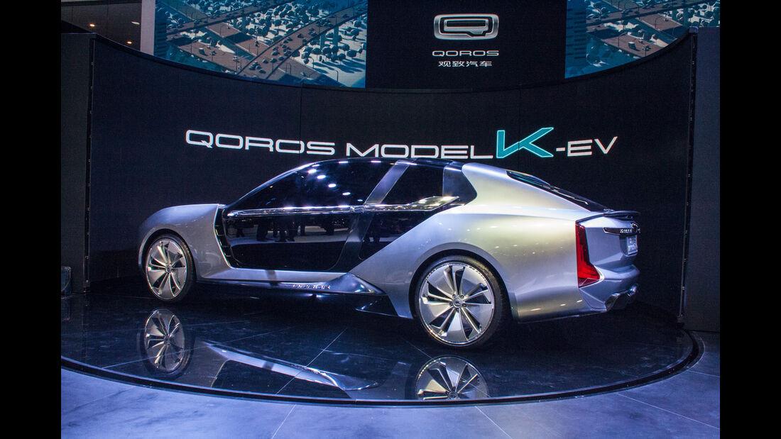 Abgefahrene Autos auf der Shanghai Auto Show 2023