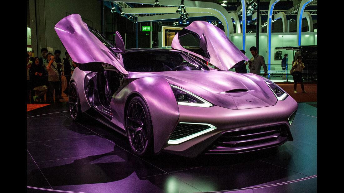 Abgefahrene Autos auf der Shanghai Auto Show 2027