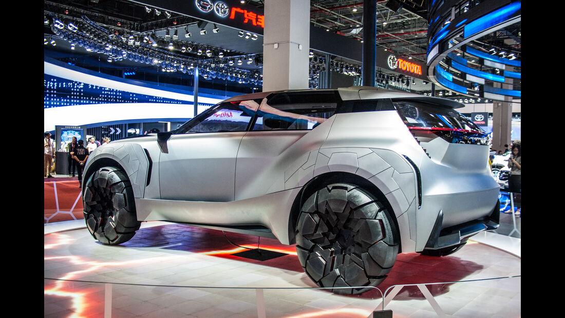 Abgefahrene Autos auf der Shanghai Auto Show 2033