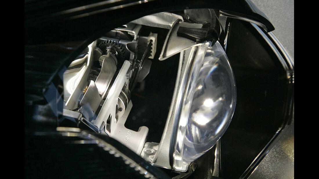 Adaptives Fernlicht im VW Touareg