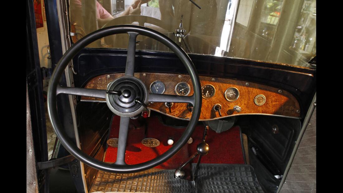 Adler Favorit, Lenkrad, Cockpit