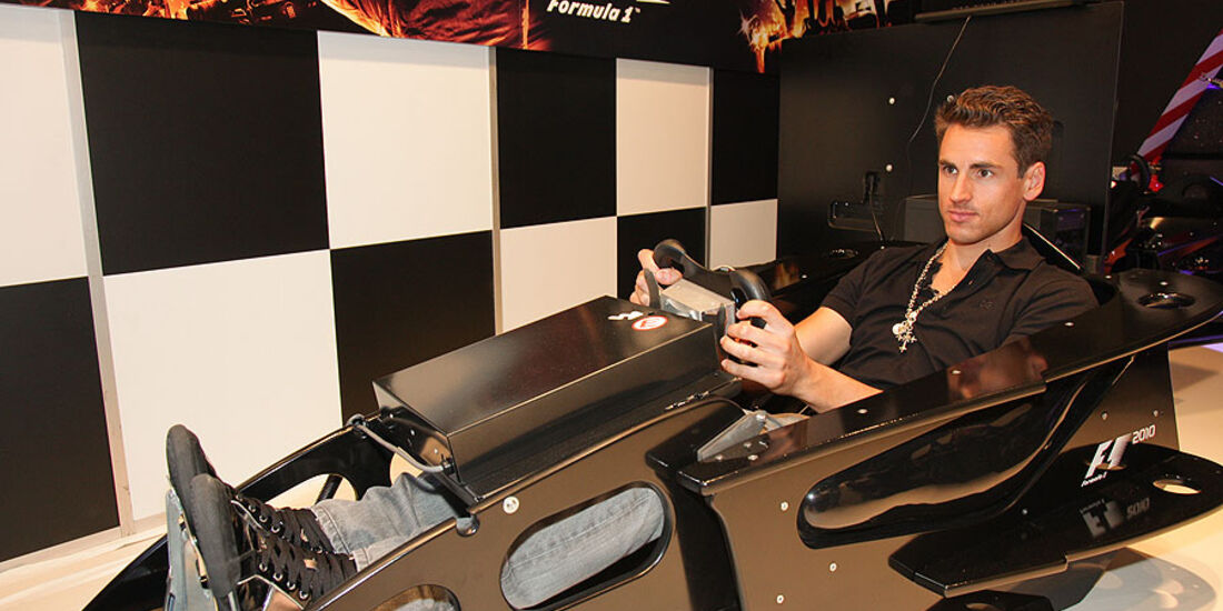 Adrian Sutil F1 2010 Gamescom