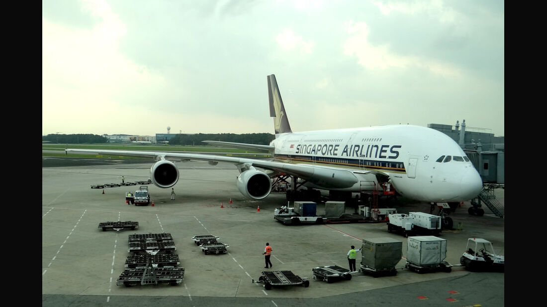 Airbus A380 Singapore Airlines 2012