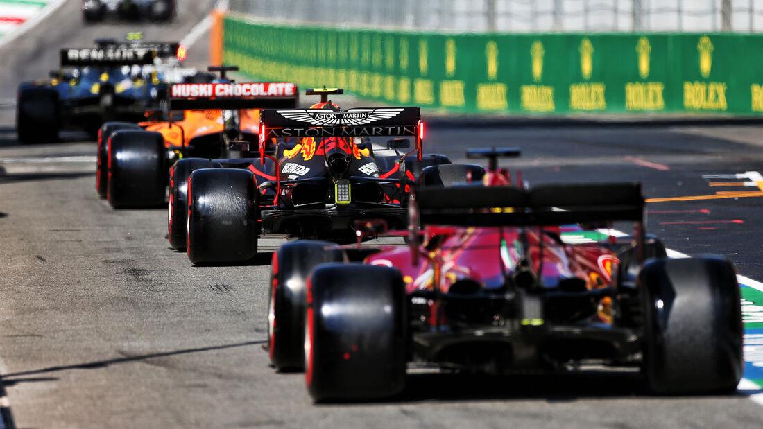[Imagen: Alex-Albon-Red-Bull-Formel-1-GP-Toskana-...722689.jpg]